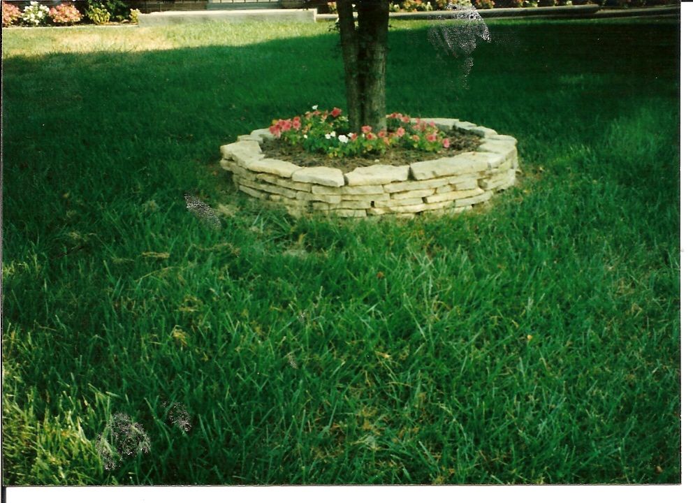 Retaining Wall Flower Bed Design