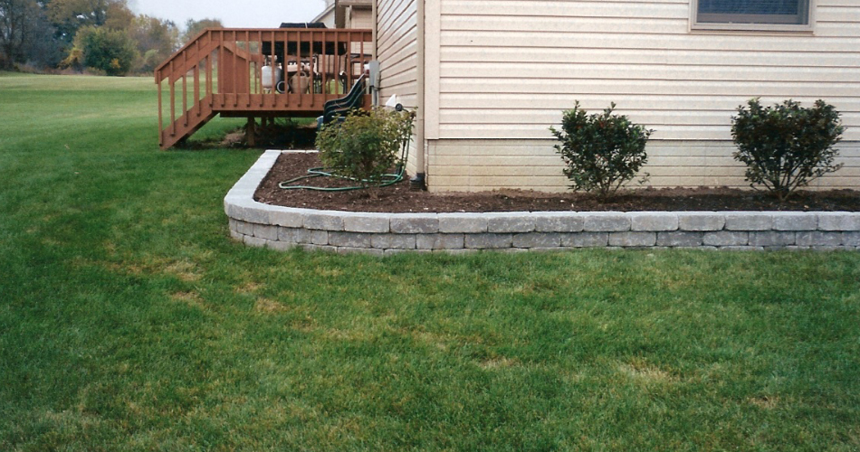 Small Retaining Wall for Flower Bed Border